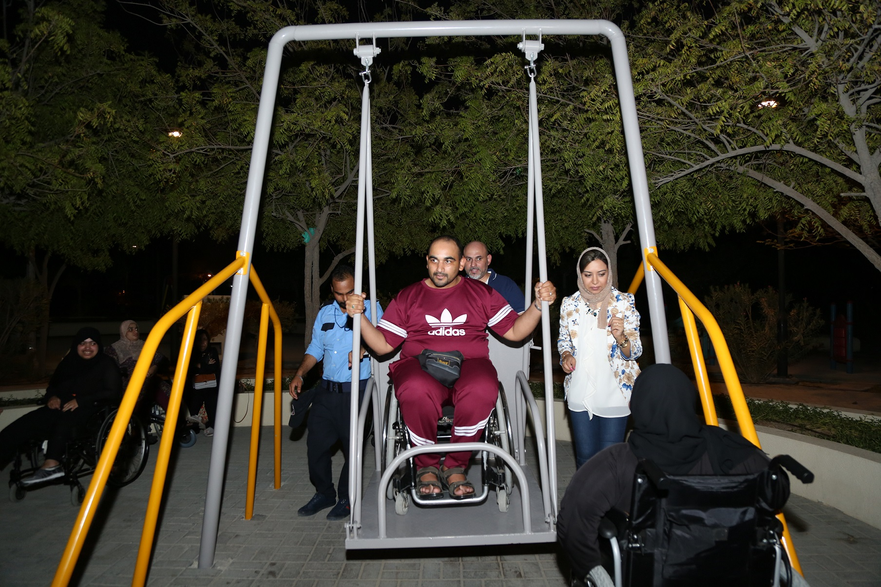 The Municipality of the Southern District equips the Khalifa Grand Park with games for people with special needs